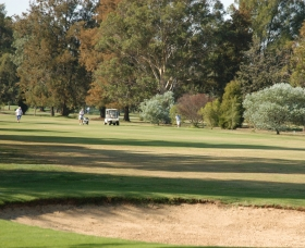 Howlong Country Golf Club – Howlong Golf Club – Review - Howlong Golf Packages – NSW Australia